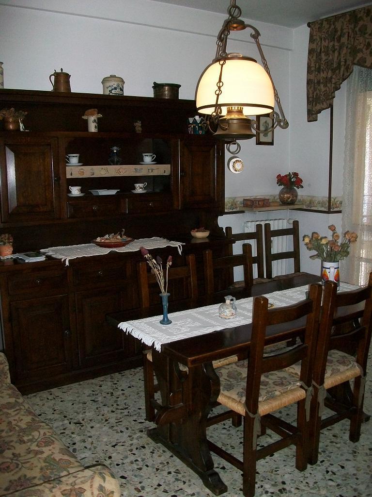 Novi ligure appartamento in vendita con due camere da for 5 camere da letto in vendita